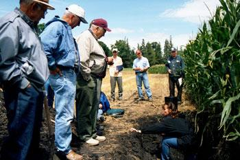 Jodi DeJong-Hughes explains soil structure to farmers